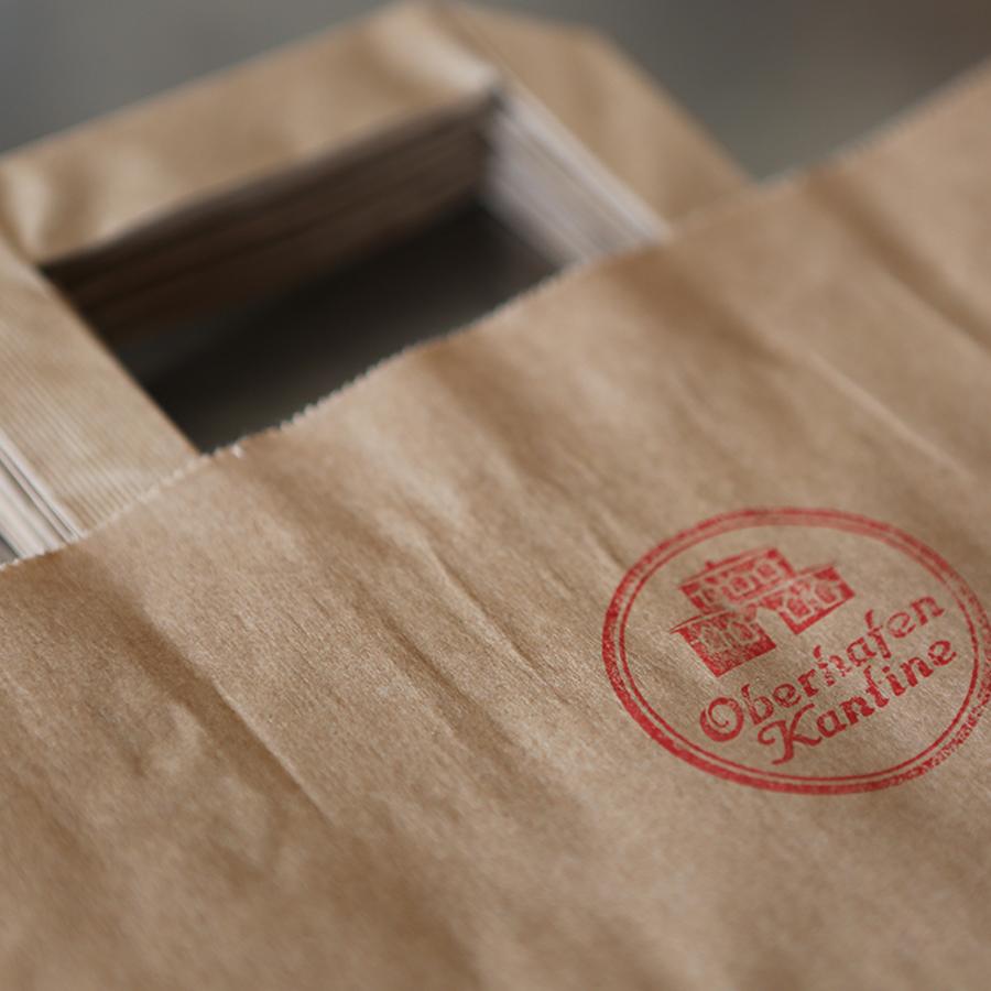 Speisen zum Mitnehmen aus der Kaffeeklappe der Oberhafen-Kantine